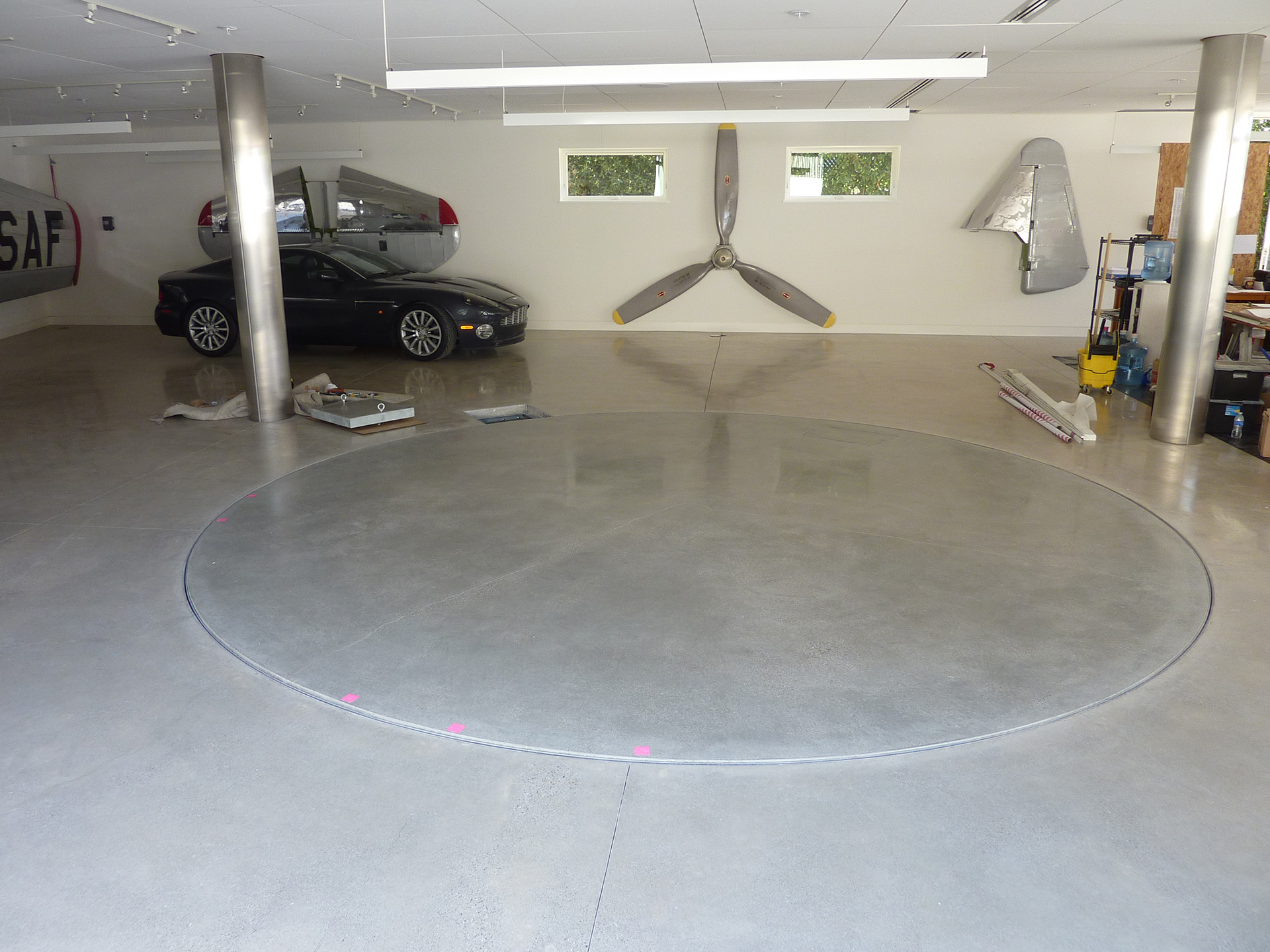 Polished Concrete Turntable1
