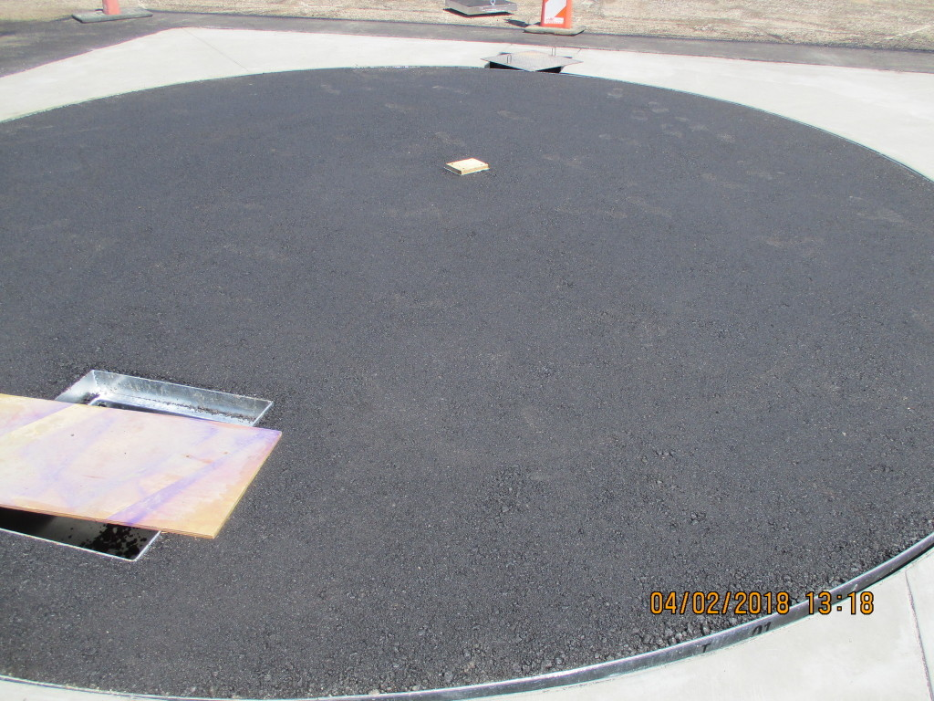 Asphalt concrete turntable